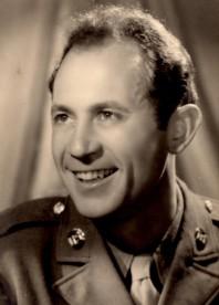 Dan in uniform @ 1945
