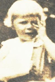 Elizabeth Westlin Guion, at 5, with her broken arm