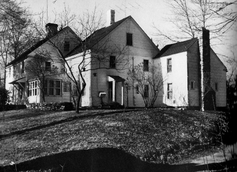 Blog - Trumbull House - 1960's (2) - cropped