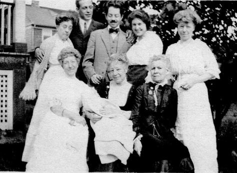 ADG and Arla with baby Lad and family - 1914