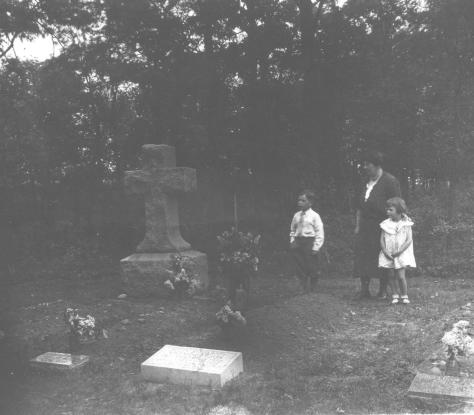 CDG - Decoration Day, Peabody Private Cemetery