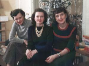 APG - 1947 Christmas - Aunts Helen, Anne and Dorothy
