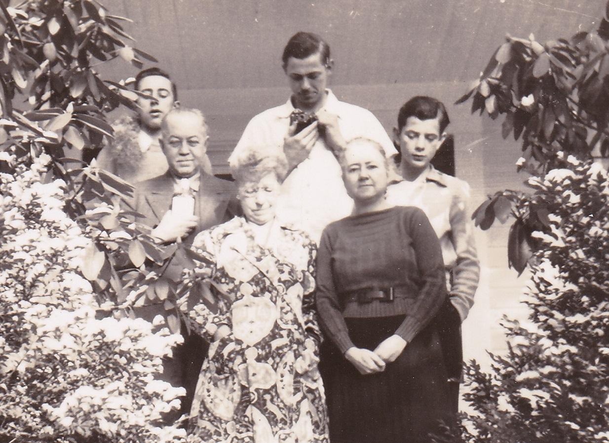 ADG - Christmas - 1939 - photo by Dan