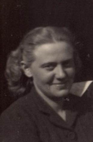 DBG - Dan andPaulette (Paulette - cropped) - 1945