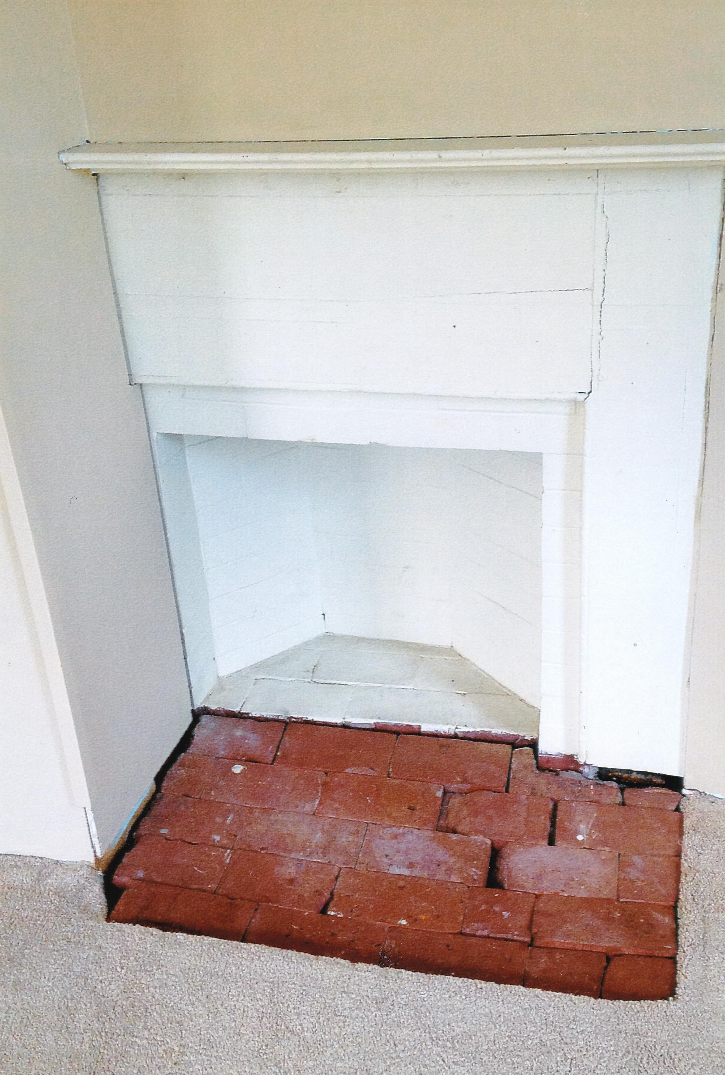 Trumbull House - 1756 children's room fireplace
